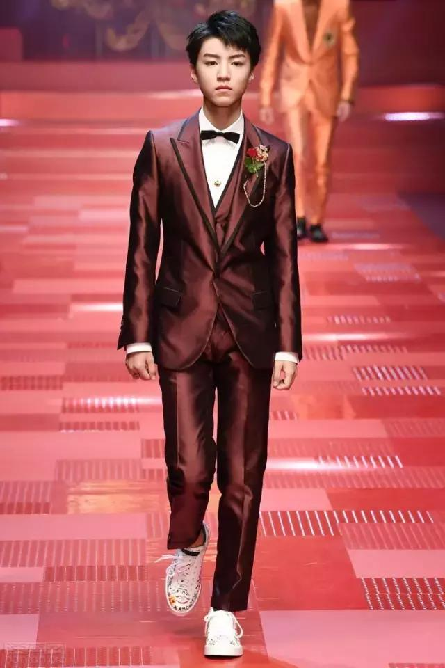 tfboys进击时尚界,这是要当未来的带货小公举啊
