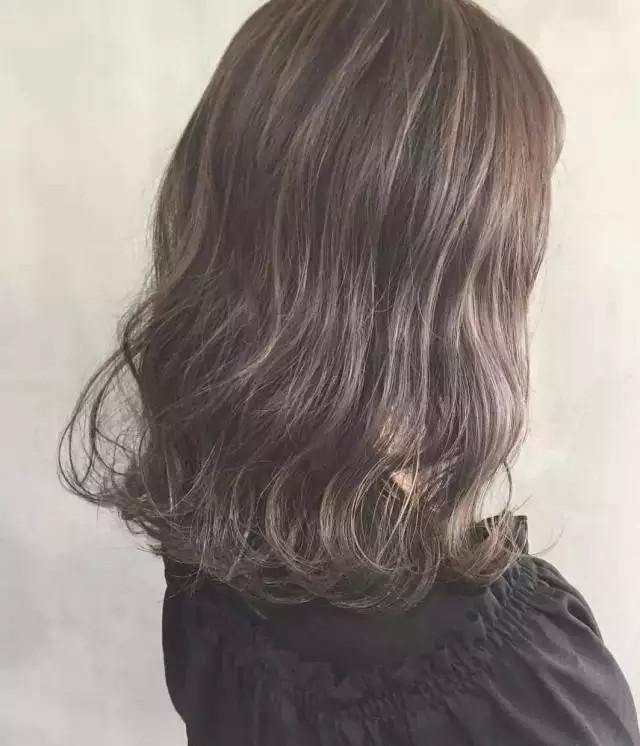 【发型推荐】齐肩发烫发推荐,青春可爱风的水波纹卷发图片