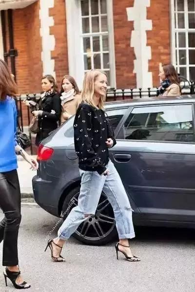 今年流行这三种裤子,紧身牛仔裤已经out了 服饰潮流 图19