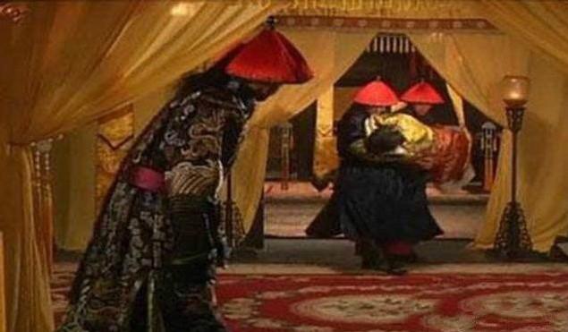 古代妃子侍寝时裸身被抬到龙床 竟因为皇帝怕死