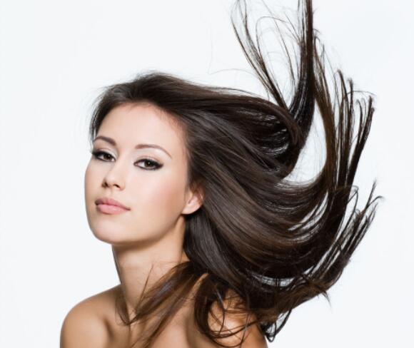    本教程主要使用photoshop巧用通道简单给美女头发丝图片