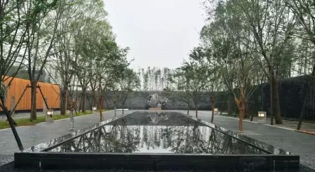 """临水栏杆,构件小品等,体现新中式景观设计沿袭中国古典园林""""虽由人作图片"""