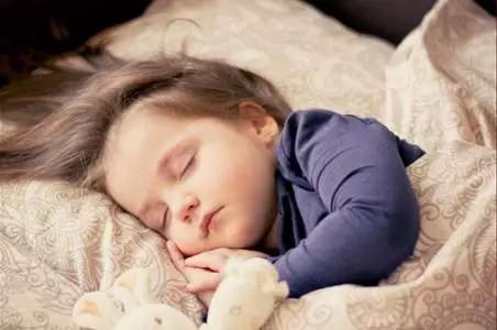 孩子究竟要睡多少时间