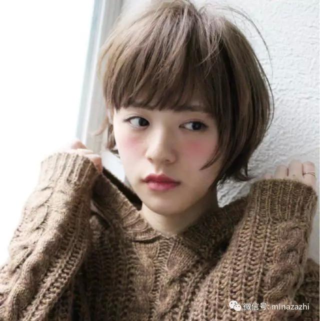 比较注重刘海的短发,同样给人甜美可爱的短发girl