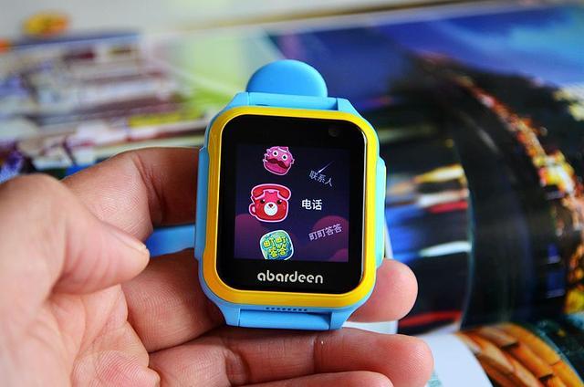 4g全网通,内置安卓系统,阿巴町4g儿童智能手表小胖上手体验