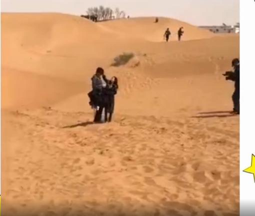 赵丽颖为吴亦凡整理头发被偷拍,两人还牵手走沙漠!图片