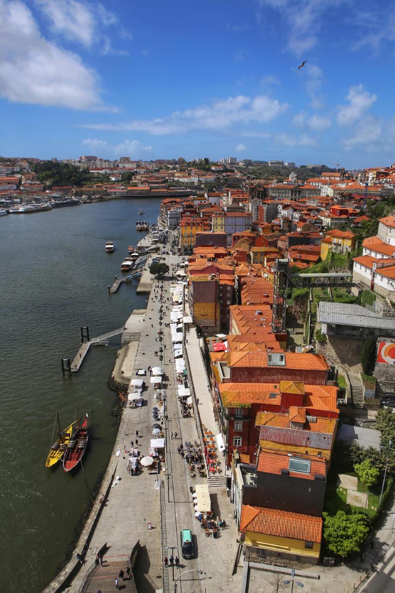 从桥上看到的老城区