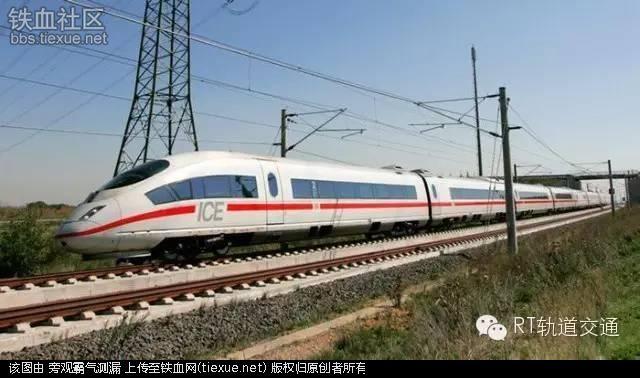 作为欧洲开启运营最早的高铁,法国高铁在诸多技术参数方面一度是欧洲乃至世界多国建设高铁的标杆。可以说,法国高铁为全球高铁技术发展作出了不可磨灭的贡献。   近年来,随着全球高铁市场的发展,法国高铁在走出去的过程中也不得不放低身段,参与激烈的国际竞争。但在一些高铁项目竞标中失败之后,法国国内也对此展开广泛讨论,开始反思本国的高铁技术是否已经走到了十字路口。   在法国当地专家、媒体看来,法国高铁近年来在海内外市场陷入低谷,与高铁体系僵化、缺乏技术创新有直接关系。在欧盟邻国正紧锣密鼓地推行新型高铁信号指引