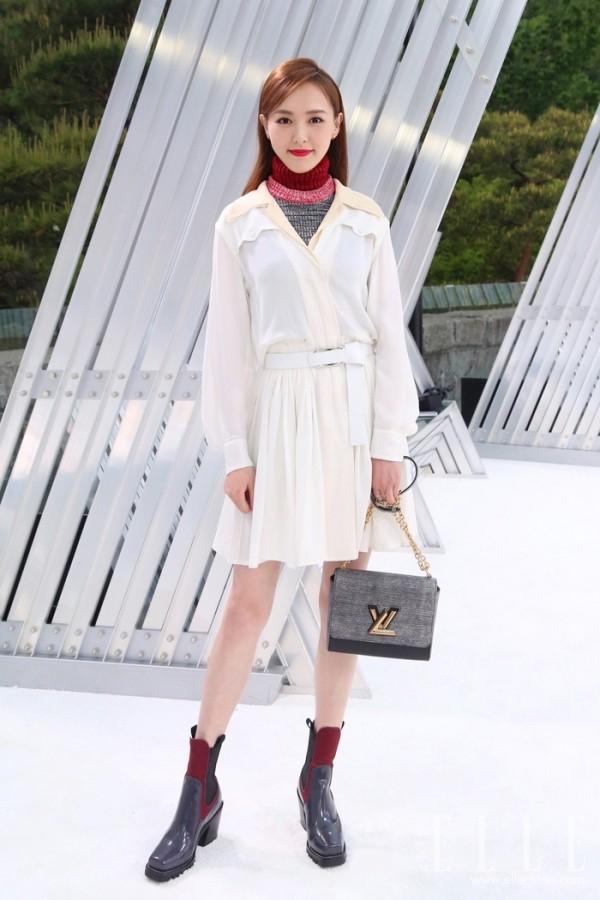 短靴只能秋冬穿?唐嫣和范冰冰配短裙照样可以HOLD住!