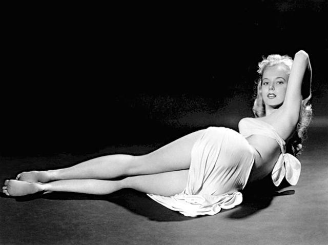 精美老照片:美国五十年代的女神 身材健美的女星 贝蒂·布鲁斯